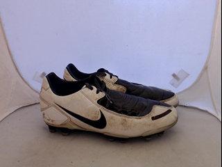save off cb941 f736b Fotbollskor Nike
